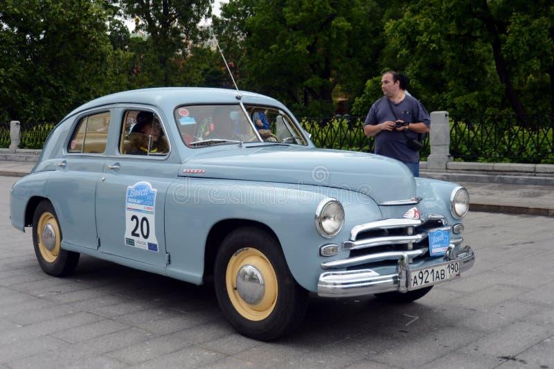 ` Soviético de la victoria del ` del coche GAZ M-20 en la reunión de coches viejos en Moscú foto de archivo