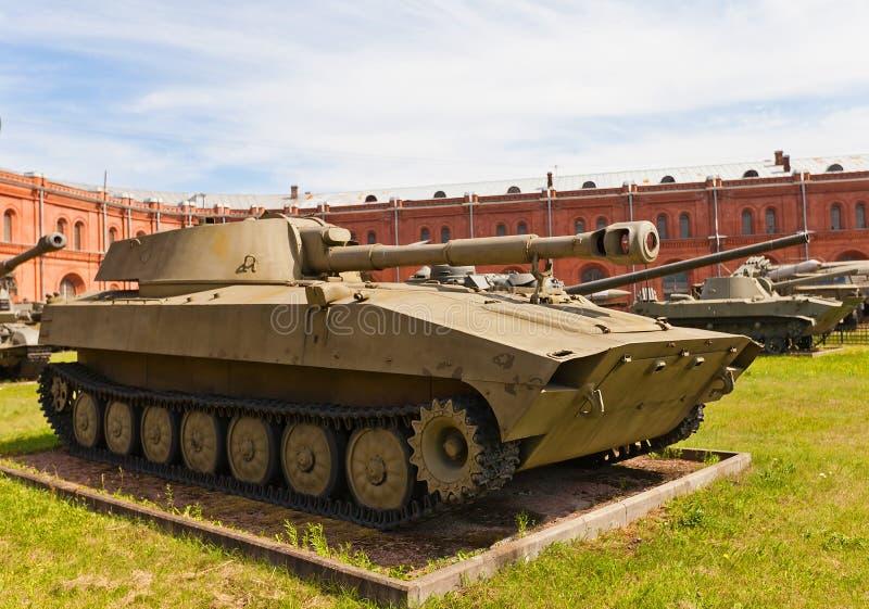 Soviet obús automotor 2S1 Gvozdika de 122 milímetros imágenes de archivo libres de regalías