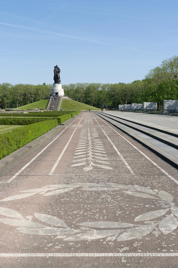 Download Soviet War Memorial (Treptower Park) Stock Image - Image: 24108943