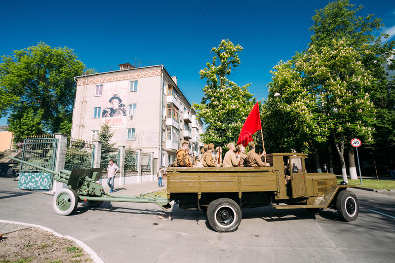 Soviet WW2 Truck ZIS-5V Towing ZiS-2 57-Mm Anti-Tank Gun. Prepare For 9 May Victory Parade stock photos