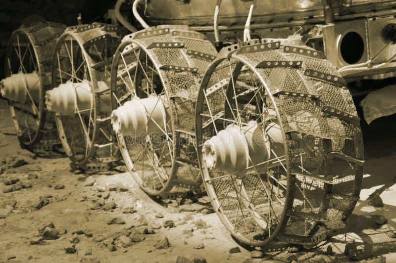 Sovjet gemotoriseerd ruimtevaartuig op de oppervlakte van de maan stock foto's