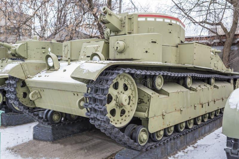 Sovjetisk medelbehållare T-28, år - 1933 royaltyfri fotografi