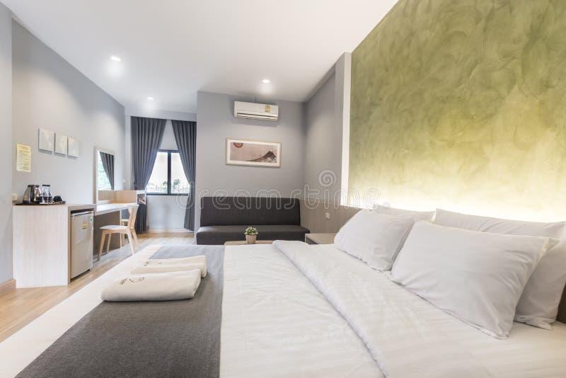 Sovrum i hotell arkivfoton