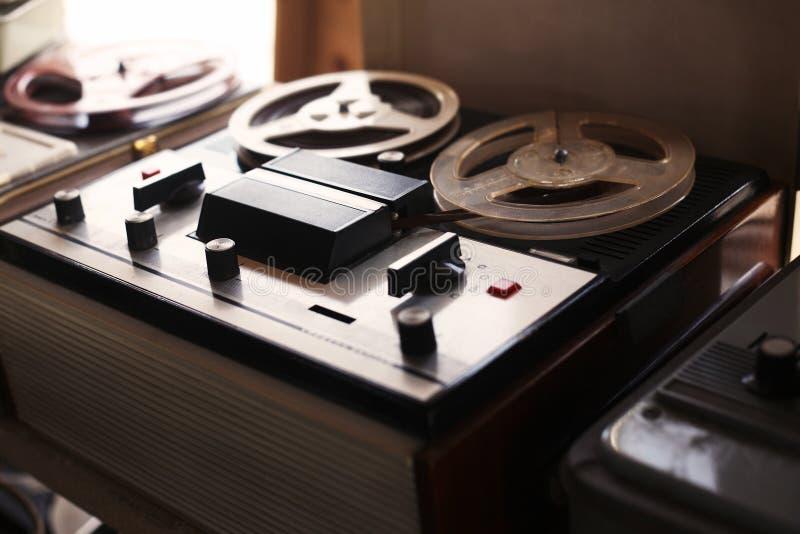 Sowjetische Weinlese - altes Tonbandgerät lizenzfreie stockfotos