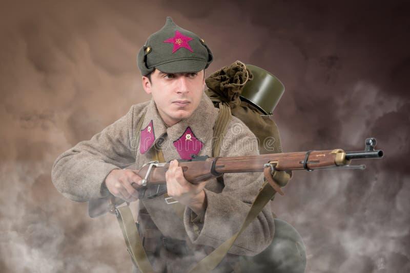 Sowjetischer Angriff des Soldaten ww2 stockfoto