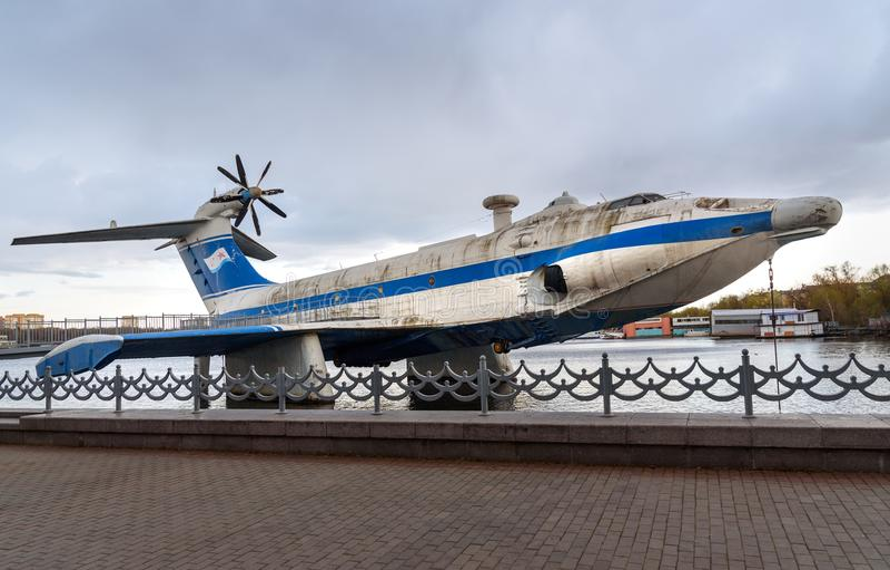 Sowjetischer ekranoplan A-90 Orlyonok junger Adler im Marinemuseum moskau Russland stockfotos