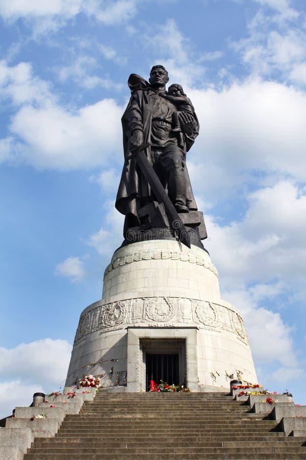 Sowjetisches Kriegdenkmal, Treptower Park, Berlin lizenzfreie stockfotografie