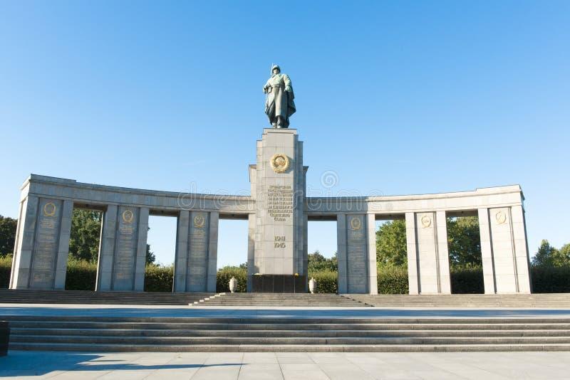 Sowjetisches Kriegs-Denkmal Berlin stockfoto
