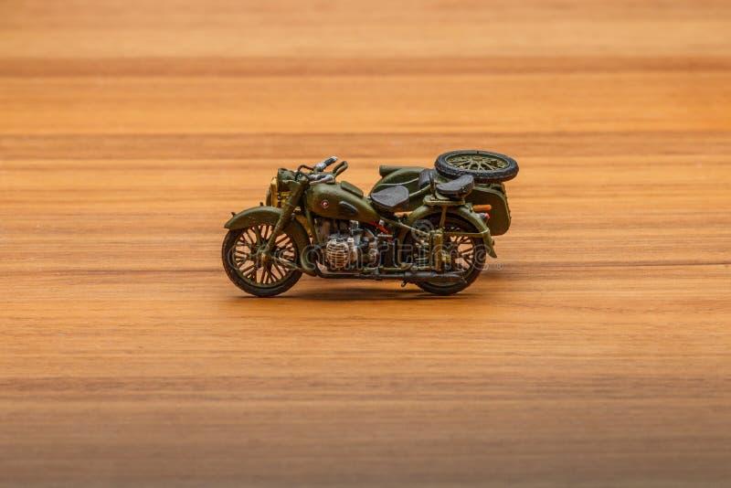 Sowjetisches Motorrad mit Beiwagen lizenzfreies stockfoto