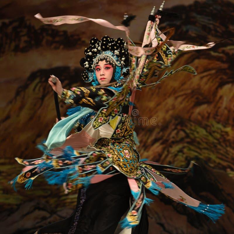 """Soyez des généraux de femmes d'absorber-Yang Qiniang- Pékin Opera"""" de  de € de Yang Familyâ photo libre de droits"""