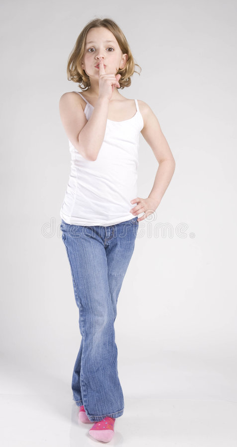 soyez fille que le quiet indique des jeunes images libres de droits