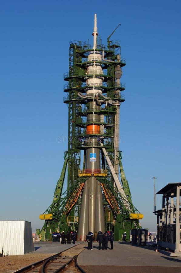 Soyuz TMA-15M en la plataforma de lanzamiento fotografía de archivo