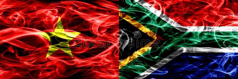 Sozialistische Republik Vietnam gegen Südafrika, afrikanische Rauchflaggen nebeneinander gesetzt Dicke farbige seidige Rauchflagg lizenzfreie abbildung