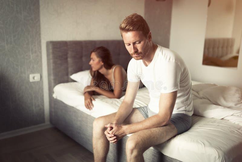 Spänning för förhållandeproblem tack vare arkivfoto