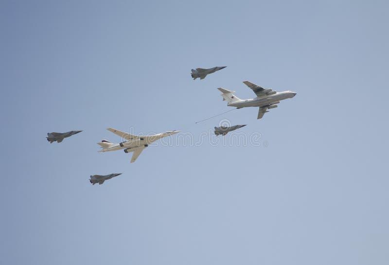 Spännvidden av den supersoniska strategiska vita svanen för bombplan-raket bärare TU-160 (blackjacken) royaltyfria foton