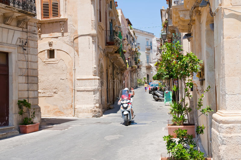 Späte barocke Art Rom-Straße in Syrakus, Italien lizenzfreie stockfotos