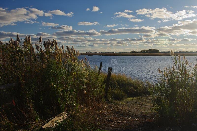 Später Nachmittag durch Connecticut River lizenzfreie stockfotos