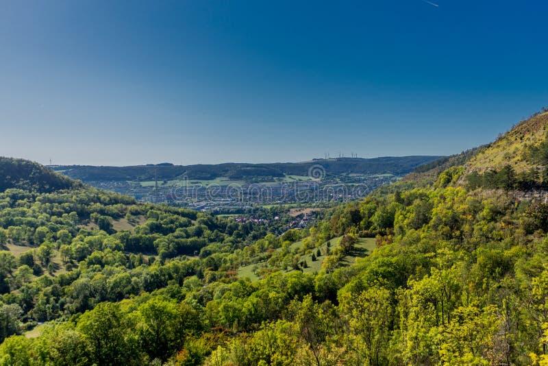 Später Sommertag im malerischen Saale Tal - Jena/Deutschland stockfotos