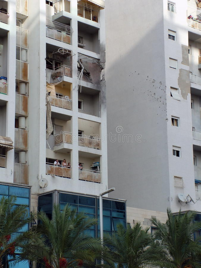 Spår av terroristraketattack arkivbild