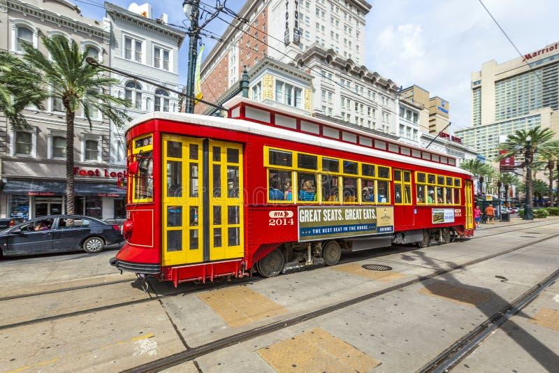 Spårvagn på Canal Streetlinjen i New Orleans fotografering för bildbyråer