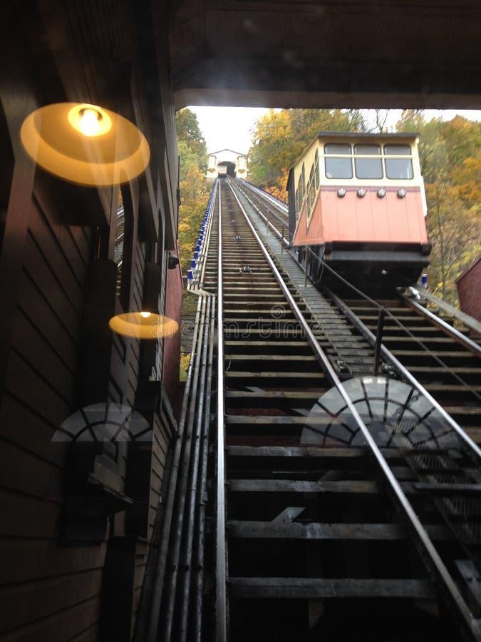 Spårvagnsluttning arkivbild