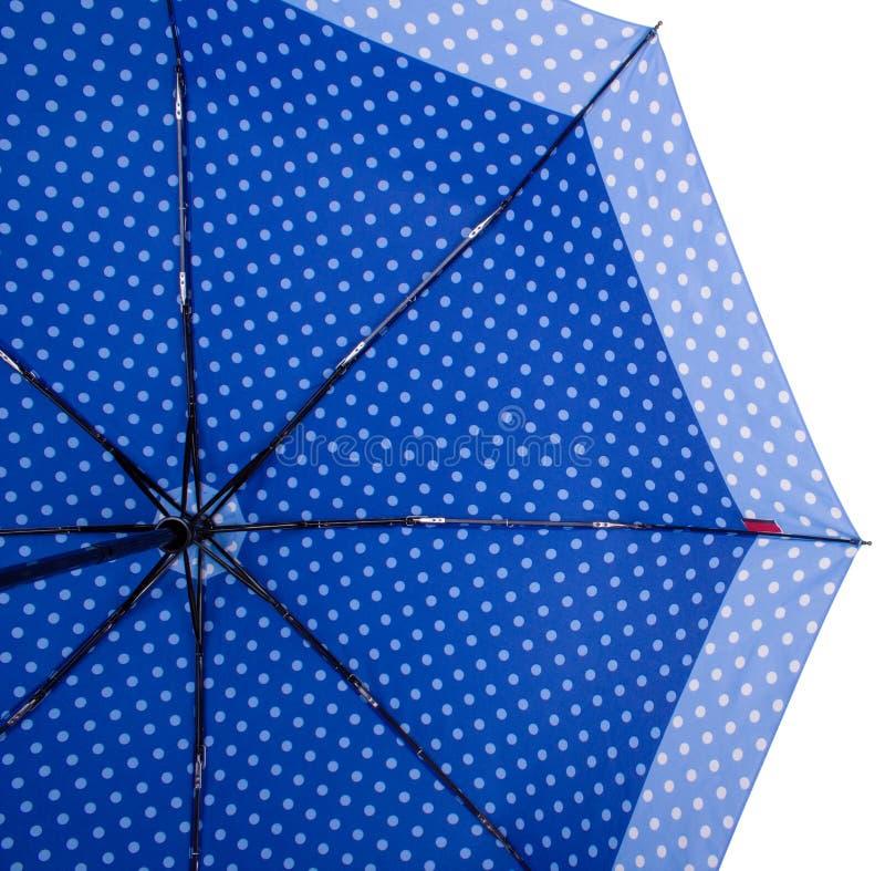 Spód Błękitny parasol obrazy stock