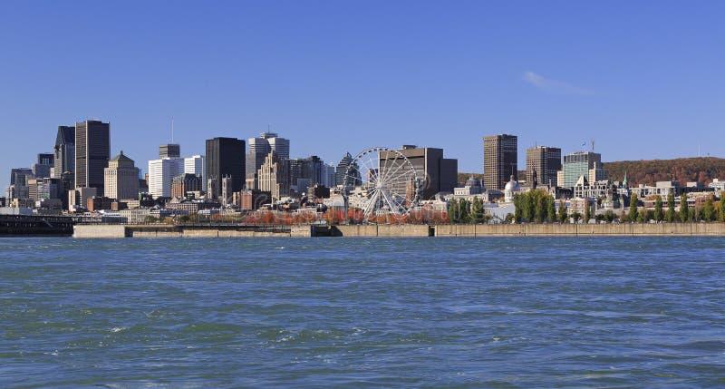 Spód montrealski jesienią i rzeką St. Lawrence obraz stock