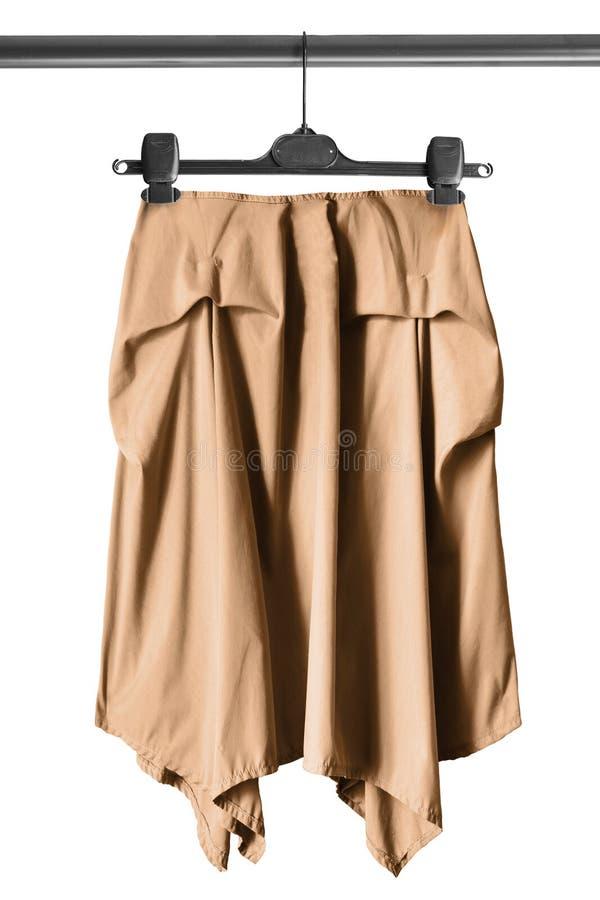Spódnica na ubrania stojaku zdjęcia stock