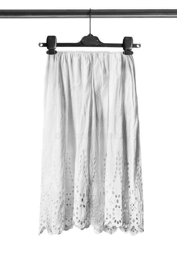 Spódnica na ubrania stojaku obrazy stock