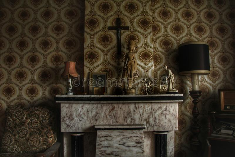 Spökat husrum royaltyfri fotografi