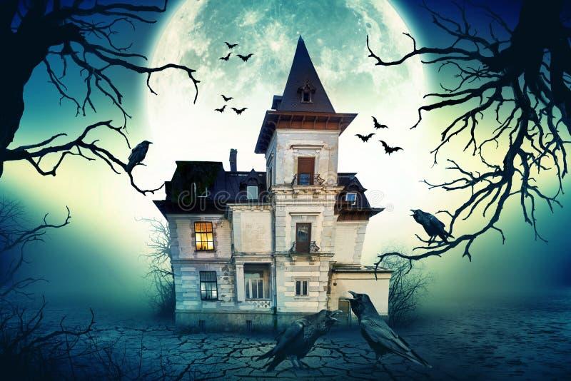 Spökat spöklikt hus royaltyfri foto