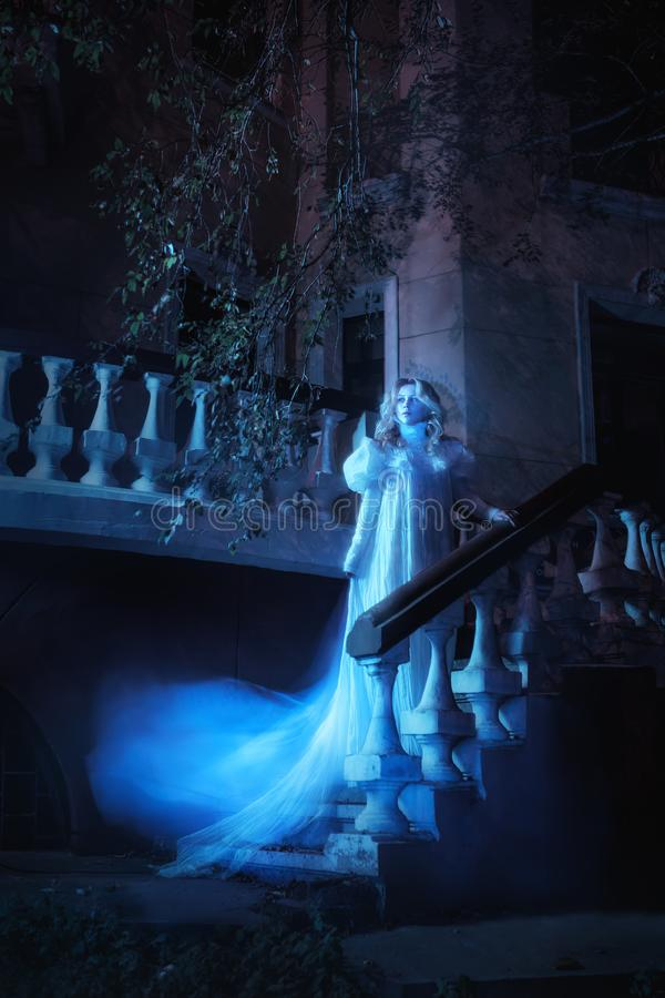 Spöke i natt fotografering för bildbyråer