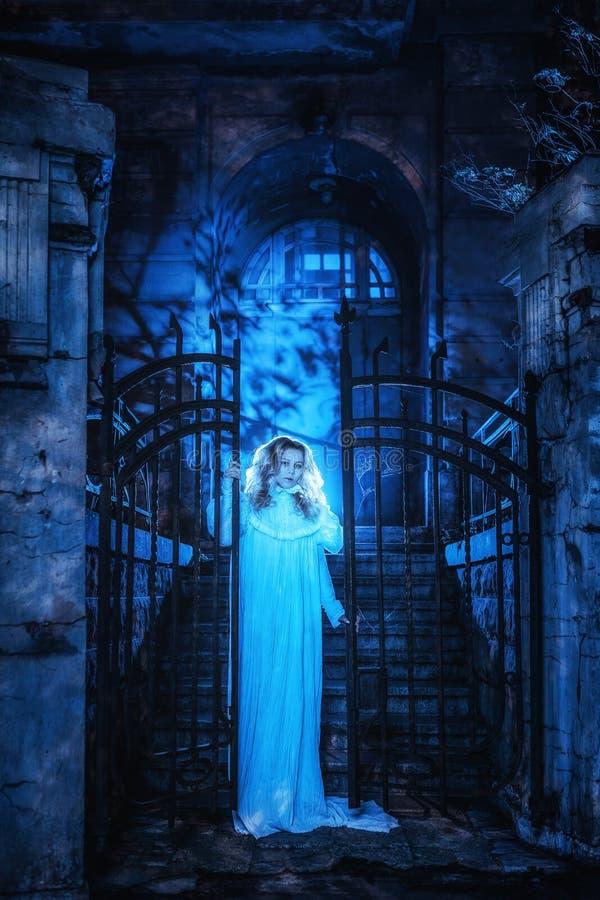 Spöke i natt arkivbild