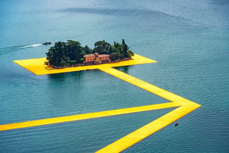 Spławowi mola Artysty Christo przejście na Jeziornym Iseo StP zdjęcie royalty free