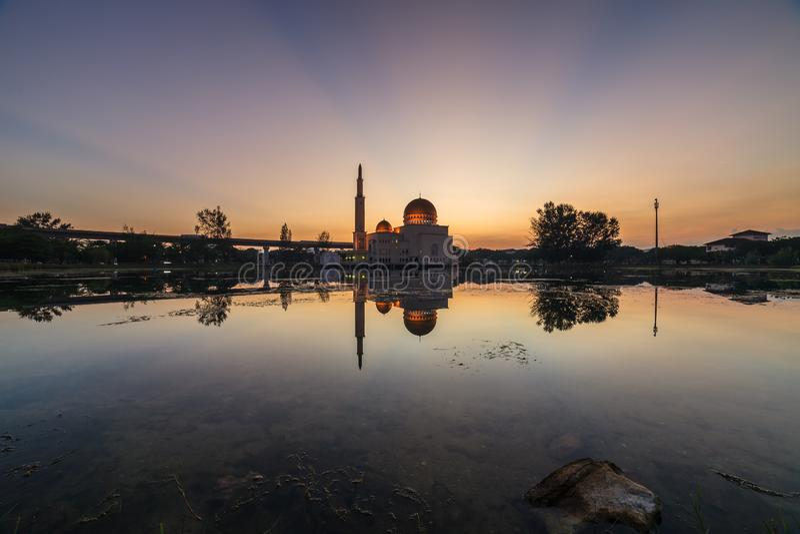 Spławowy meczet, Masjid Jako Salam, Puchong zdjęcia stock