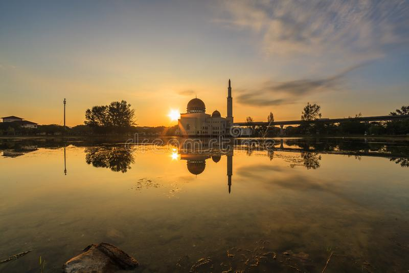 Spławowy meczet, Masjid Jako Salam, Puchong zdjęcie royalty free