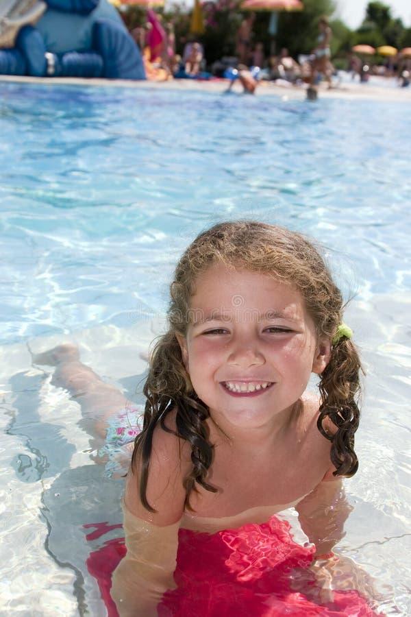 Spaß im Wasser stockbilder