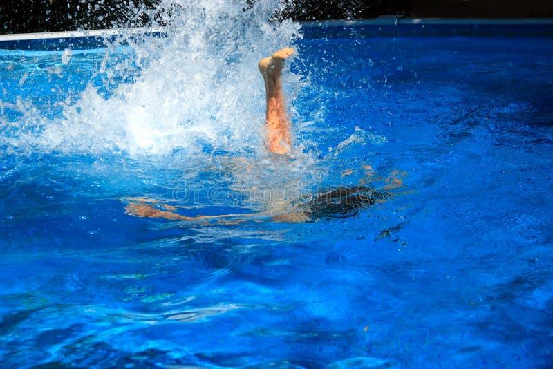 Spaß im Wasser lizenzfreies stockbild