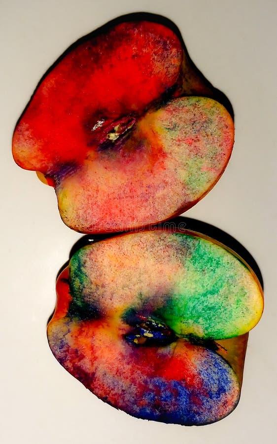 Spaß mit Äpfeln sein lizenzfreie stockfotografie