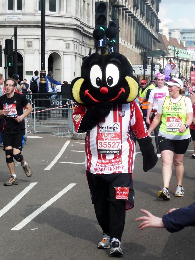 Spaß-Seitentriebe Am London-Marathon 25. April 2010 Redaktionelles Stockfotografie