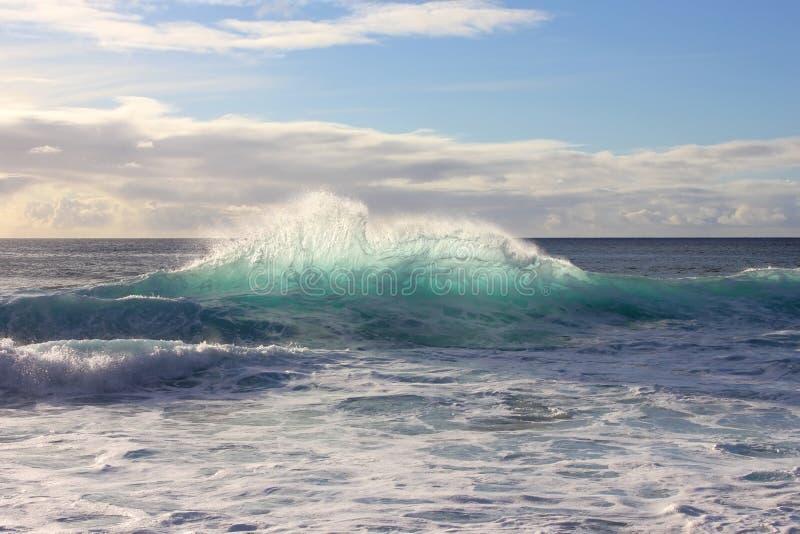 Spaß-Wellenspritzen oben stockbild