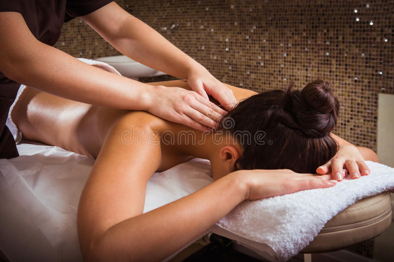 Spa massage royaltyfri foto