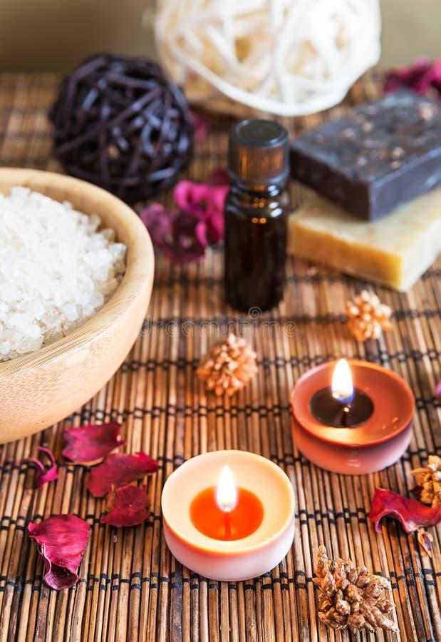 Spa med naturligt salt för bad royaltyfri foto
