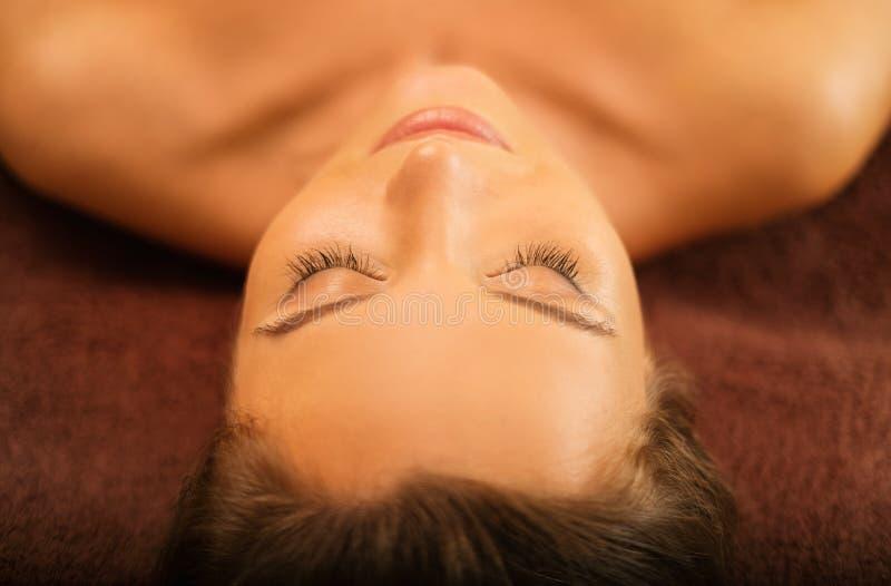 spa relaksująca kobieta obrazy royalty free