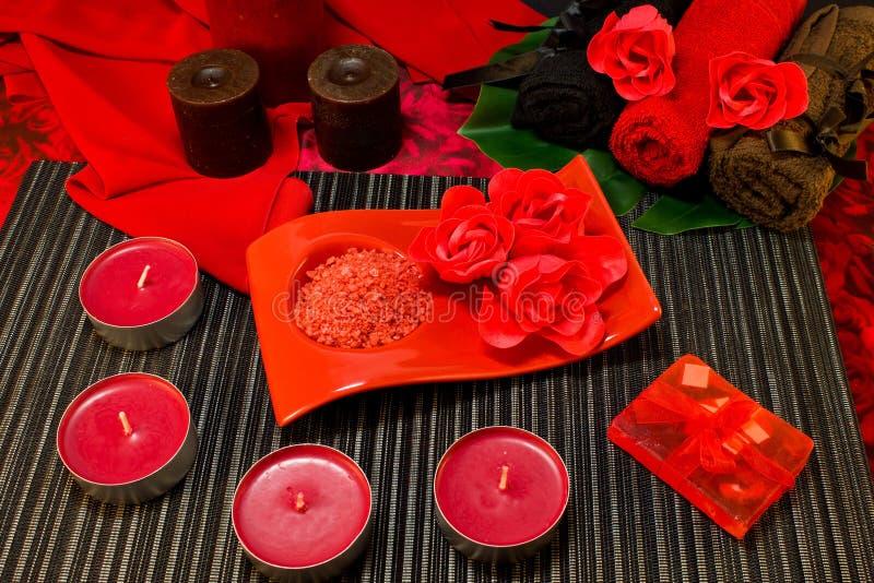 Spa sammansättning i röda färger fotografering för bildbyråer
