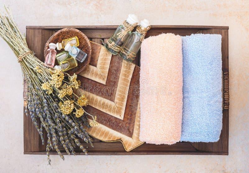 Spa stilleben med produkter för skönhethudomsorg arkivfoton