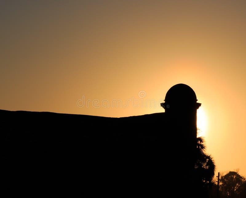 Spaans fort in silhouet in St Augustine, FL stock foto's