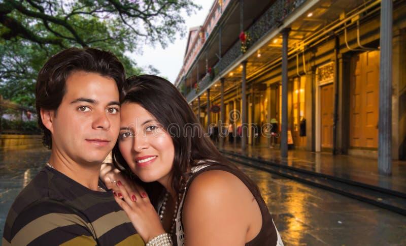 Spaans Paar die van een Avond in New Orleans genieten stock foto