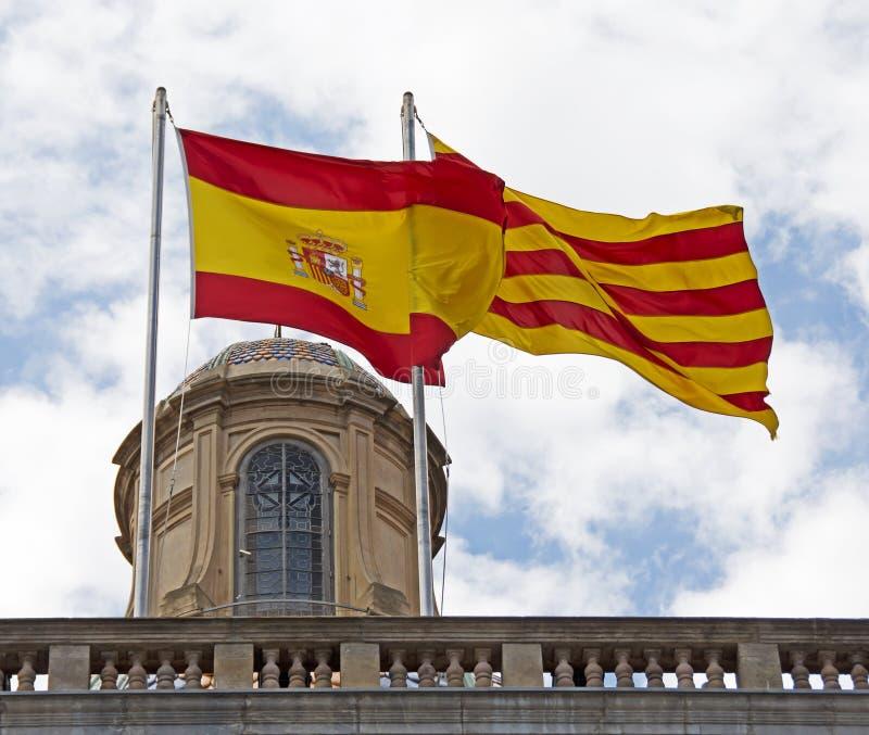 Spaanse & Catalaanse Vlaggen, Barcelona, Spanje stock afbeelding