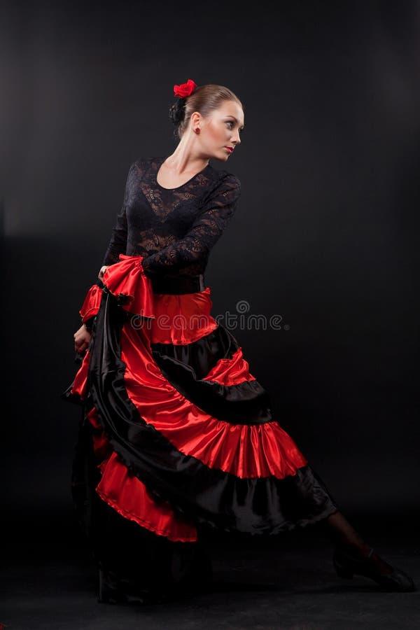 het de zigeunerflamenco de vrouw de dansende